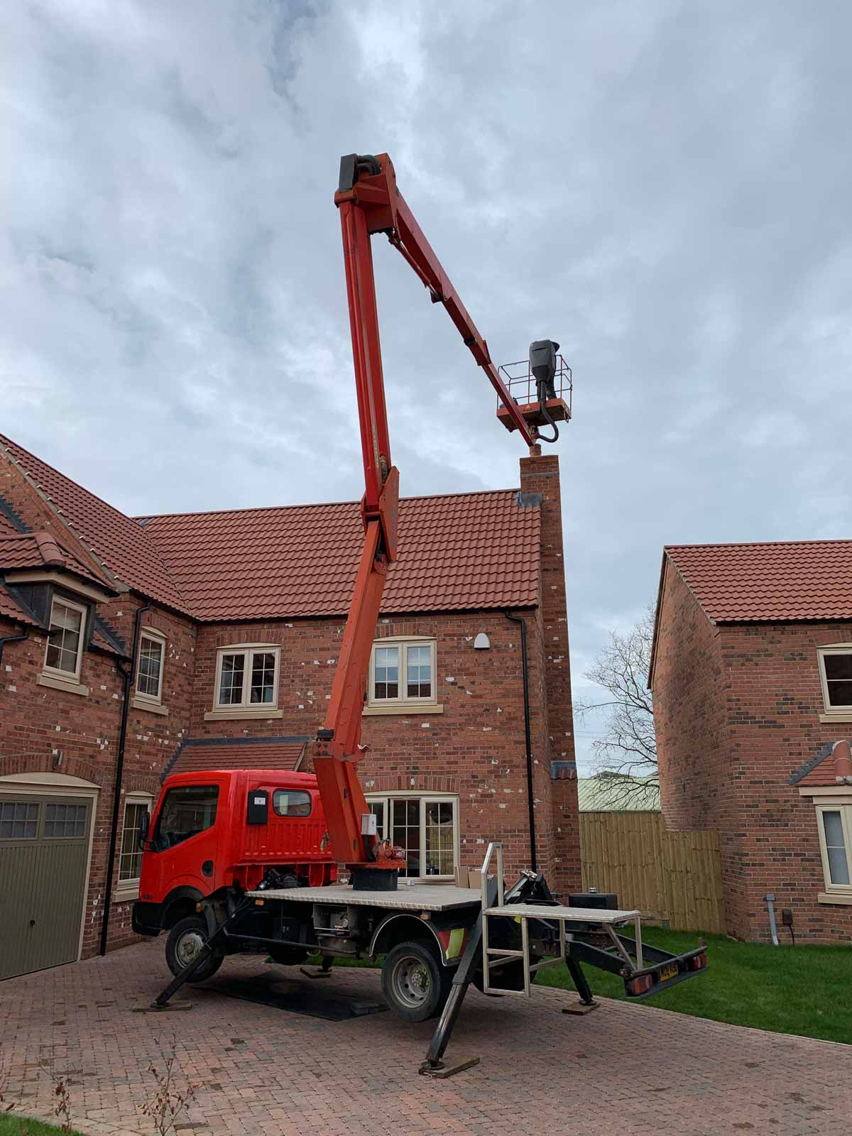 cherry picker charnwood arc